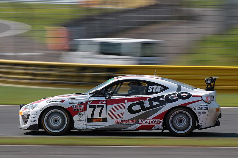 橋本洋平選手がドライバーの1人を務めるST-4クラスの77号車「CUSCO RACING 86」はクラス5位、総合23位でレースを終えた