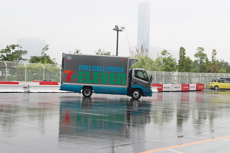 FC小型トラックがライドワン内でデモンストレーション走行を実施