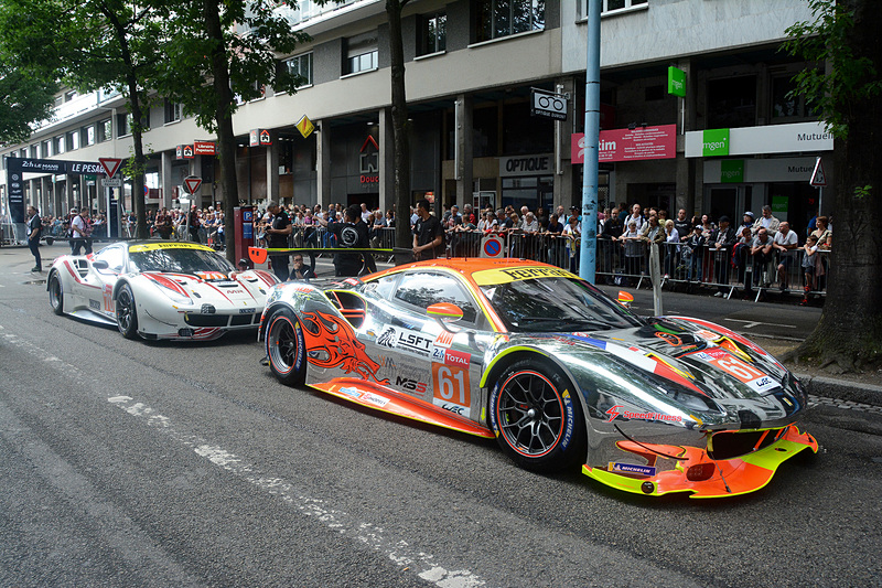 LMGTE-Amクラス 61号車(CLEARWATER RACING)と70号車(MR RACING)のフェラーリ 488 GTE