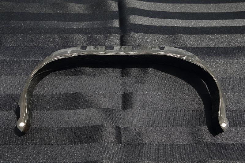 プライマシー 4の溝形状。U字形状とすることで、摩耗時の溝面積低下を防いでいる