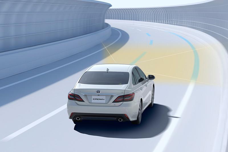「LTA(レーントレーシングアシスト)」では、レーダークルーズコントロールの作動中に同一車線内の中央を走り続けるようドライバーのステアリング操作をアシスト