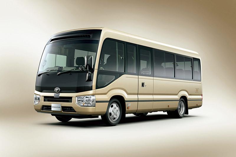 バスのEX ロングボディ・29人乗り・6速AT車。ボディカラーは「ベージュメタリック」