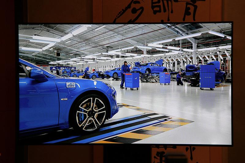 新型アルピーヌ A110はフランスのディエップにあるアルピーヌの工場で製造される