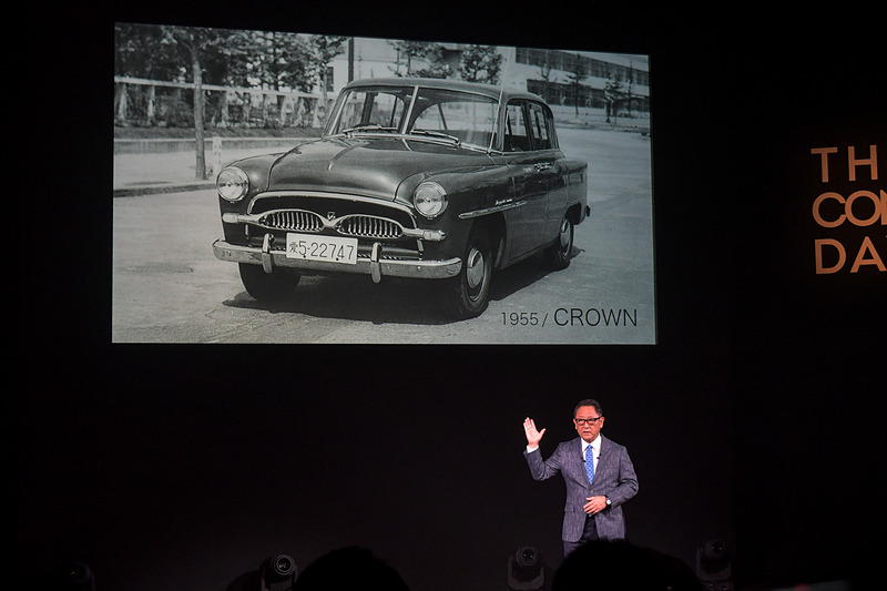 会社設立から18年が経過した1955年にデビューした初代「クラウン」