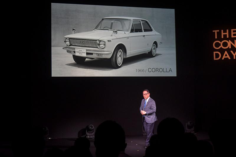 1966年の初代カローラはリーズナブルで画期的なマイカーだった