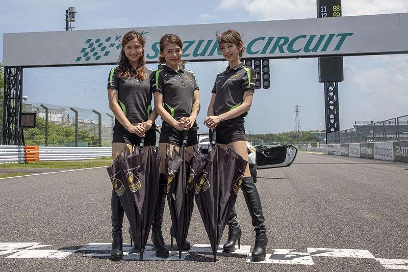 7月1日に行なわれたレース2。予選上位は#98、#63、#19と並ぶ。レース1優勝の#2も4位に付ける