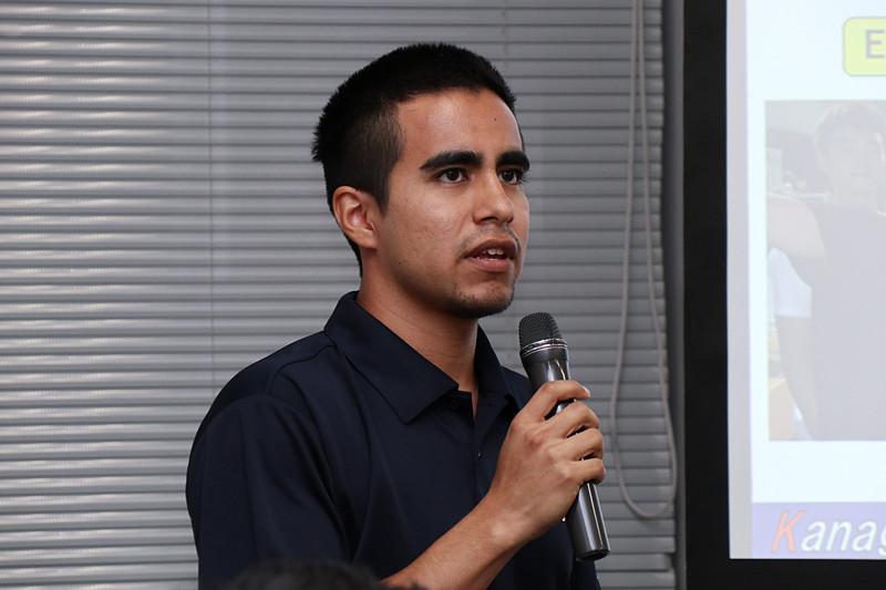 EVマシンの制御面について解説した神奈川大学 4年 電気班メンバーのカラザス・ケビン氏
