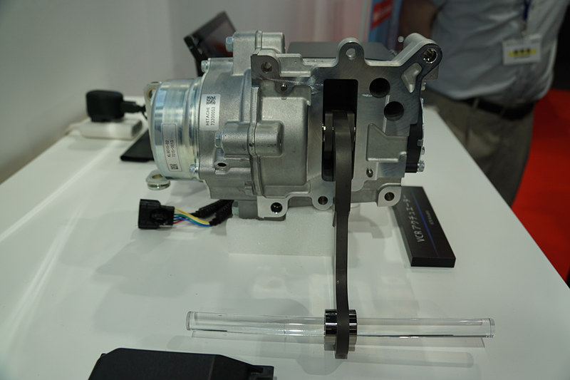 日産の量産型可変圧縮比エンジン「VCターボエンジン」に採用された「VCRアクチュエーター」