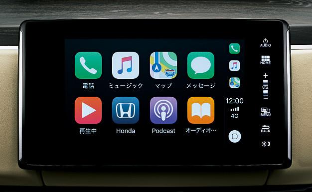 画像のApple CarPlayのほかに、Android Autoも利用可能