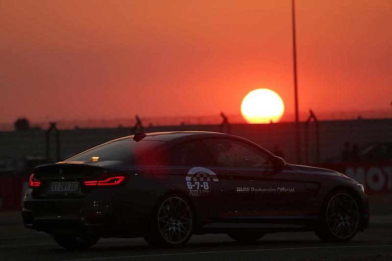 BMWのマーシャルカー