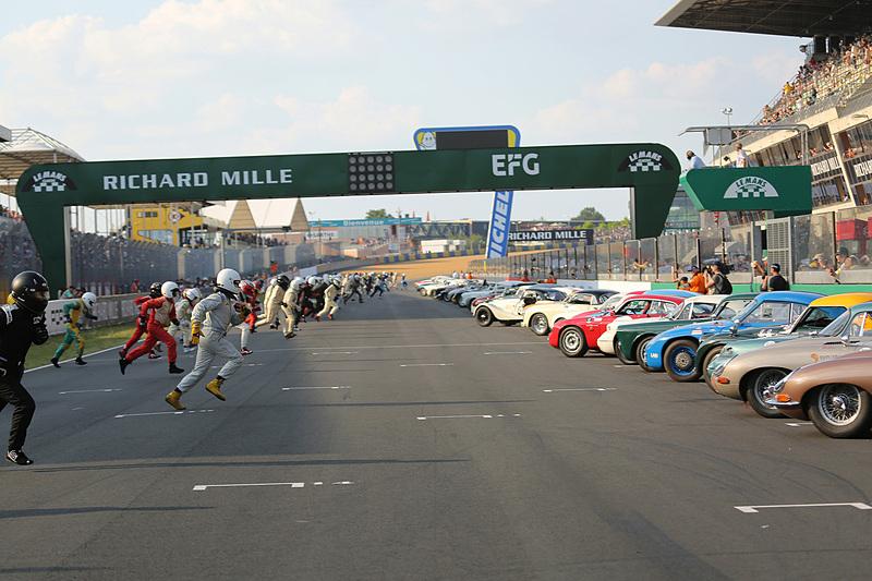 グリッド3のレース1 ル・マン式スタートシーン
