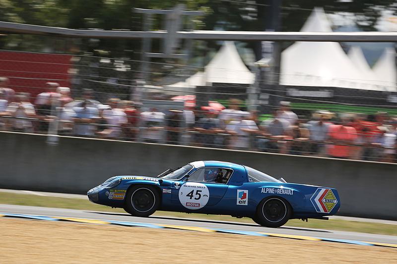 グリッド5にルノーアルピーヌ A443(1978年、45号車)で参戦したロイック・デュバル選手