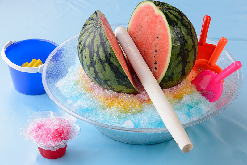 プッチタウンキッチンで販売される「夏だ!パッカーン!スイカ割りかき氷」は1800円