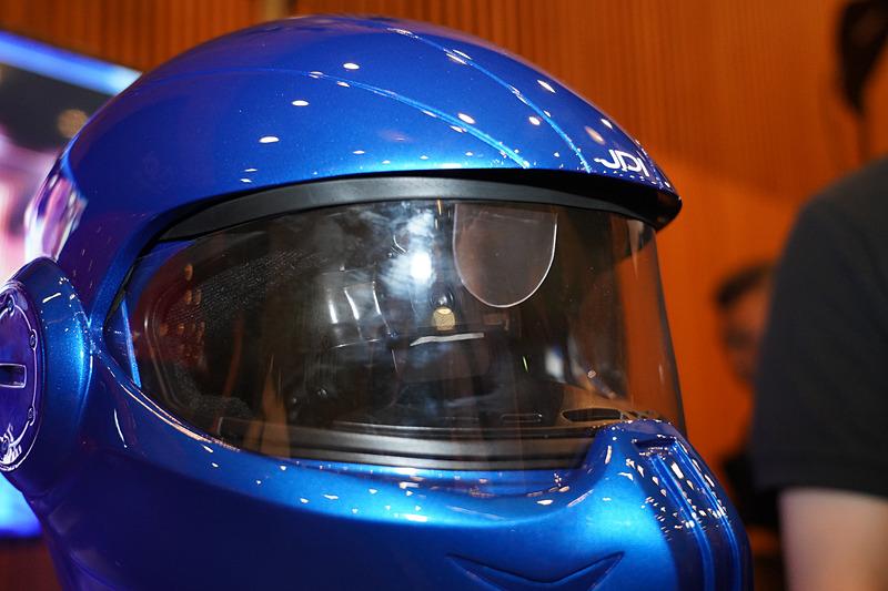 スマートヘルメット「XHD-01」