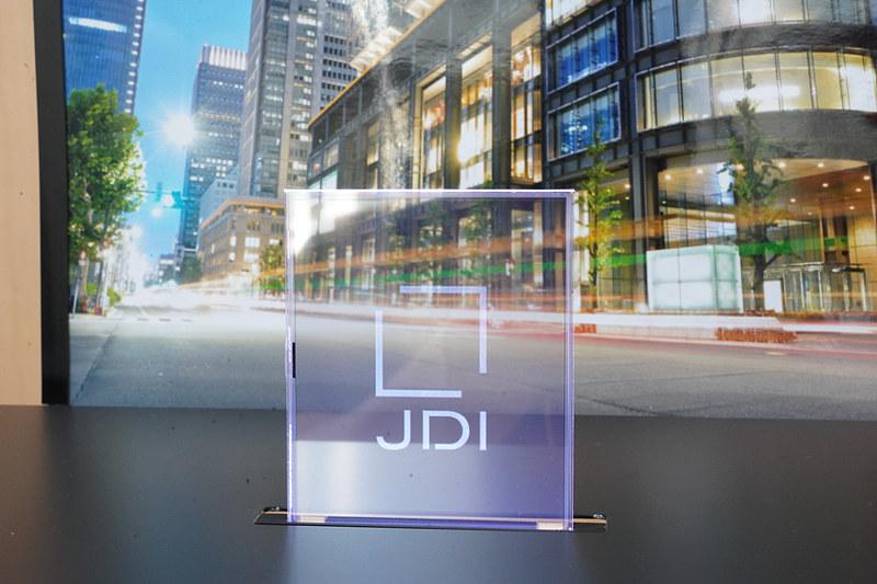 JDIが開発した「高透過、透明カラーディスプレイ」、透過率80%、4型300x360ドット(117ppi)