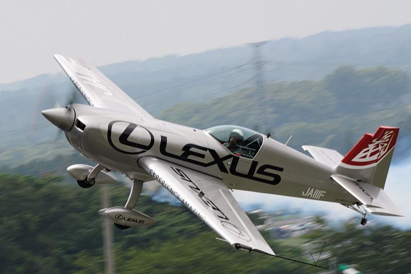 決勝日のフライトはさらに高度を下げ、チャレンジングな飛行を披露した