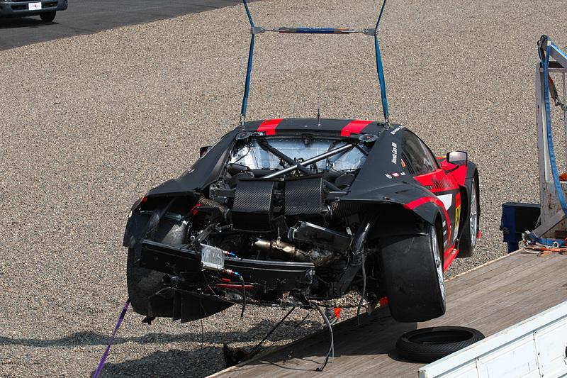 リアの構造部材までダメージを負った34号車 Modulo KENWOOD NSX GT3。第5戦富士は出場できない状態と判断された