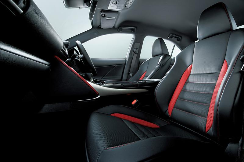 L texスポーツシート(特別仕様車専用ブラック/フレアレッド・フレアレッドステッチ)
