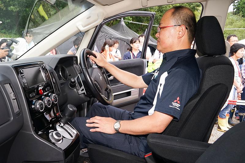 操作のしやすいドライビングポジションのレクチャーも受けられた