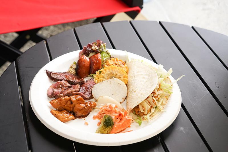 美味しそうなランチのプレート。メキシカンタコスを中心に各種肉が楽しめた