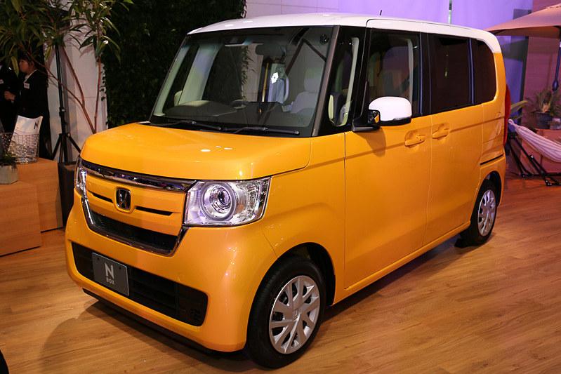 2018年8月車名別ランキングトップの本田技研工業「N-BOX」