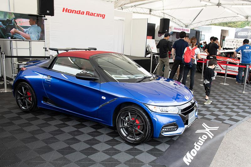 レーシングマシンや、S660 Modulo Xなどのコンプリートカーも展示