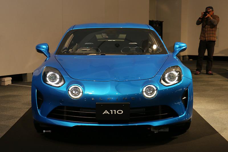 A110 ピュア。ボディカラーは「ブルー アルピーヌ M」