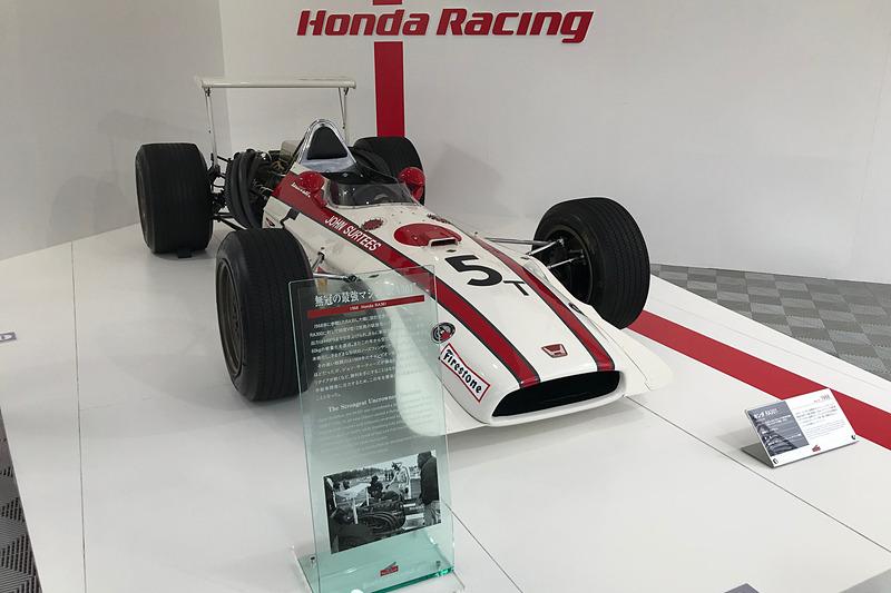 F1マシンの展示