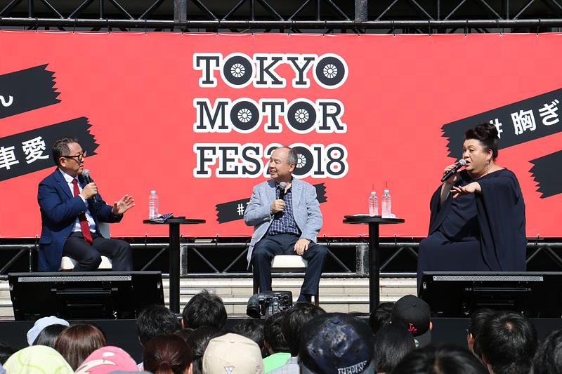今欲しいクルマとして、孫代表は「バギー」、豊田会長は「ポルシェ」と回答。さらにマツコ・デラックスさんは「トヨタと契約して乗れなくなったレンジローバーが欲しい」とした