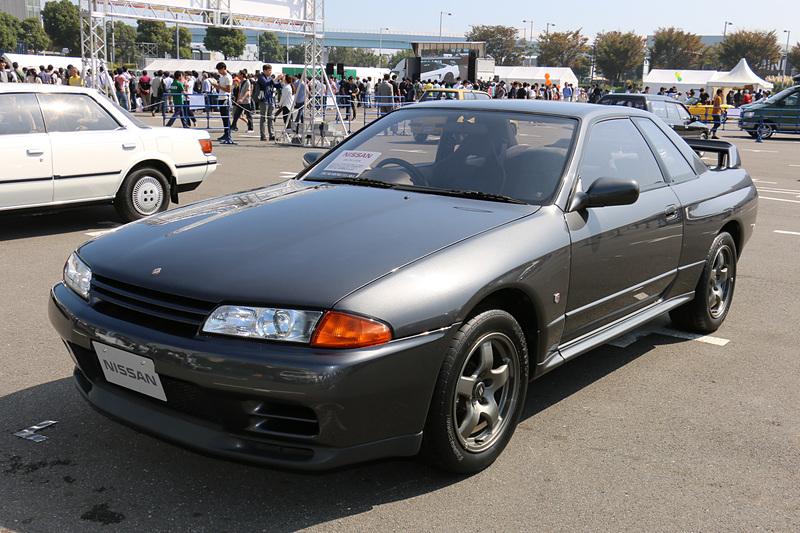 日産「スカイライン GT-R」