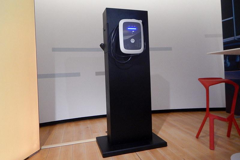 ワークショップで公開された家庭用充電システム「Volks-Wallbox(フォルクスウォールボックス)」