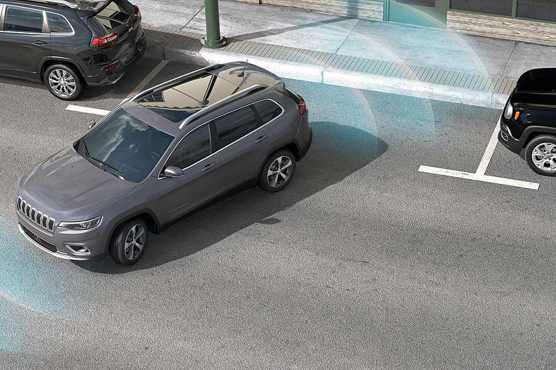 縦列駐車時などに車両側面の障害物を検知する側面距離警報