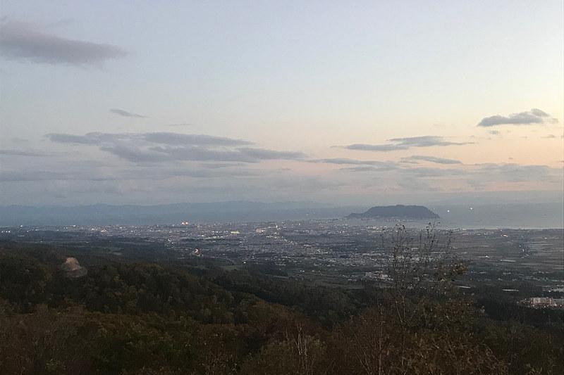 城岱牧場から見た函館山