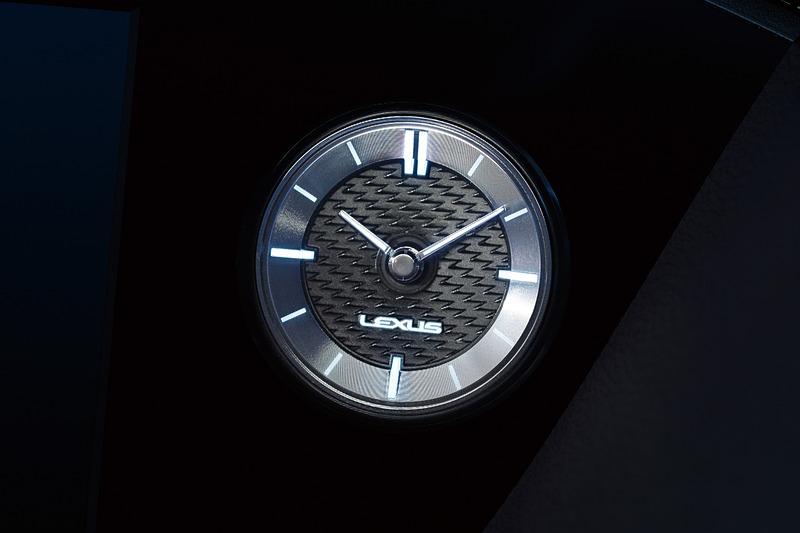アナログクロックは盤面のデザインが専用となる