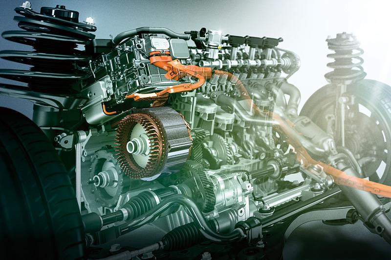 「A25A-FXS」型エンジンを中心としたハイブリッドシステムをレクサス車で初採用。WLTCモード燃費は20.6km/L
