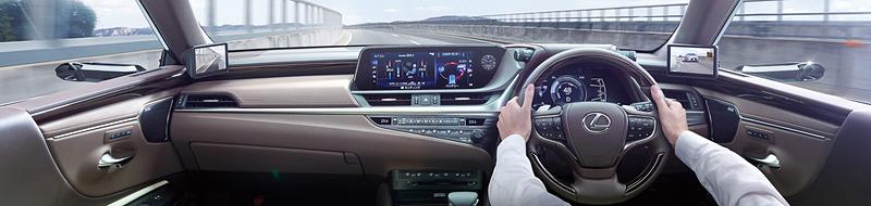 量産車で世界初採用となる「デジタルアウターミラー」装着車の車内イメージ