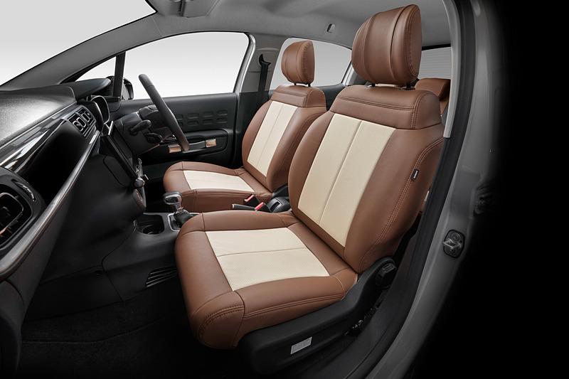 シトロエン C3専用デザインのシートカバー「C3 INSPIRED BY MONT-BLANC」