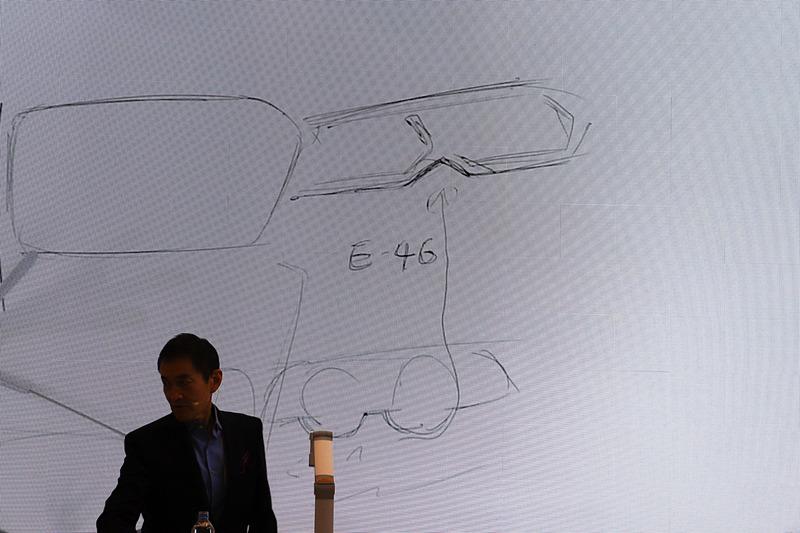 10月に開催された「パリモーターショー 2018」で世界初公開されたばかりの新型「3シリーズ」のヘッドライトは、1990年代の3シリーズ「E46」をイメージ