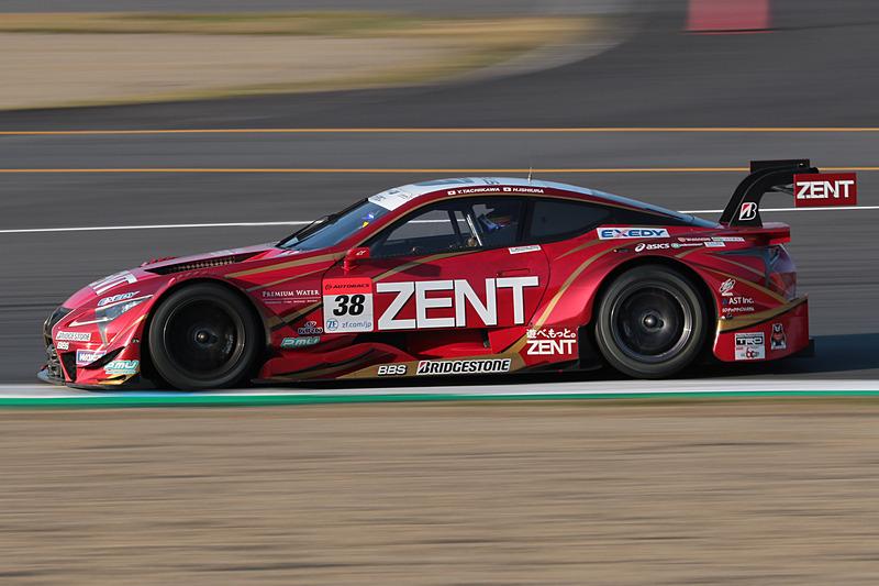 最終的に2位に入った38号車 ZENT CERUMO LC500(立川祐路/石浦宏明、BS)。レクサス勢のトップを走行した