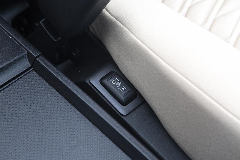 G-Power Package以上の運転席および助手席にはシートヒーターが標準