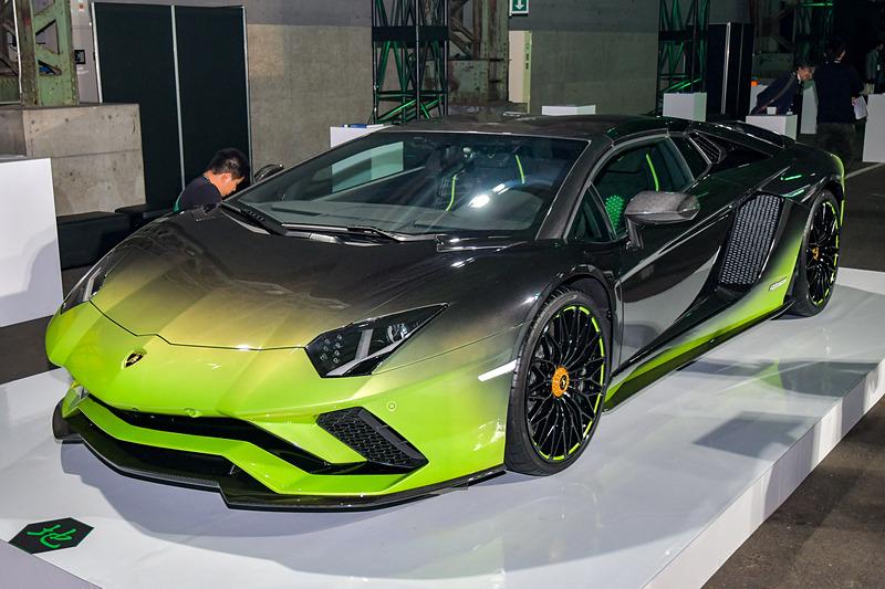 「地」モデル。5台の限定車は今回の展示のため、オーナーから借りているとのこと