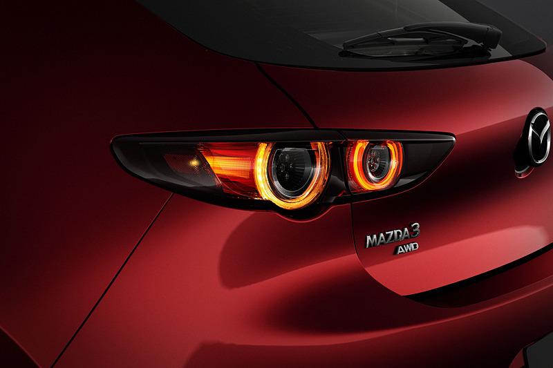 新型Mazda3 ハッチバック(北米仕様車)。ボディサイズは4459×1797×1440mm(全長×全幅×全高)、ホイールベースは2725mm