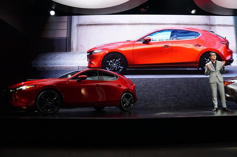 LAオートショー開催前夜のイベントで新型「Mazda3」が世界初公開された