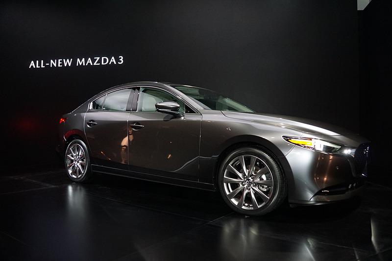 Mazda3 セダン