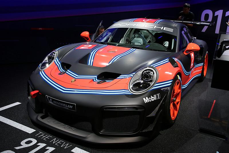 同じくLAオートショーで初公開された「911 GT2 RS Clubsport」