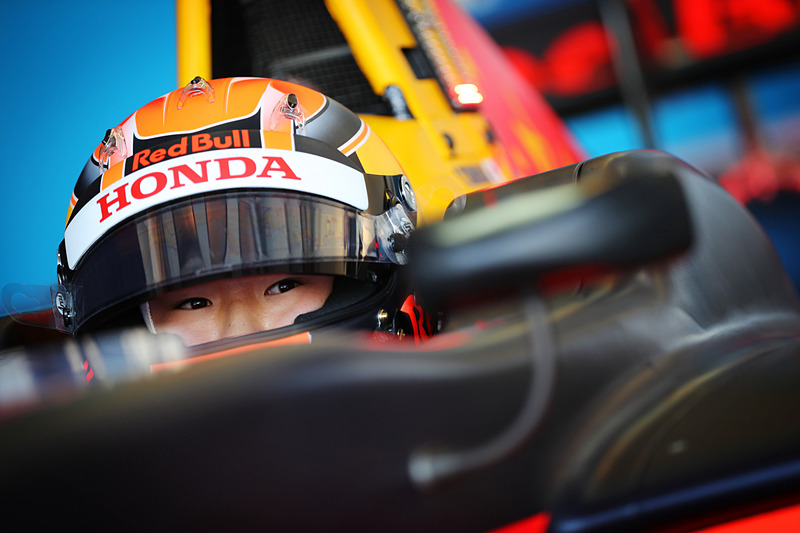 GP3のアブダビテストにおける角田選手、車に乗り込めばレーサーの眼だ。(写真提供:ホンダ)