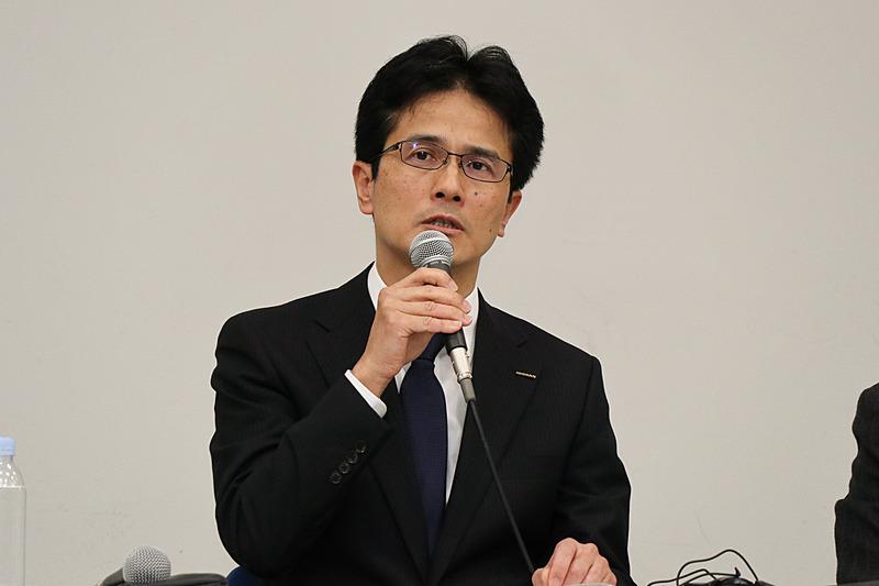 対象車の安全性についてコメントする平田氏