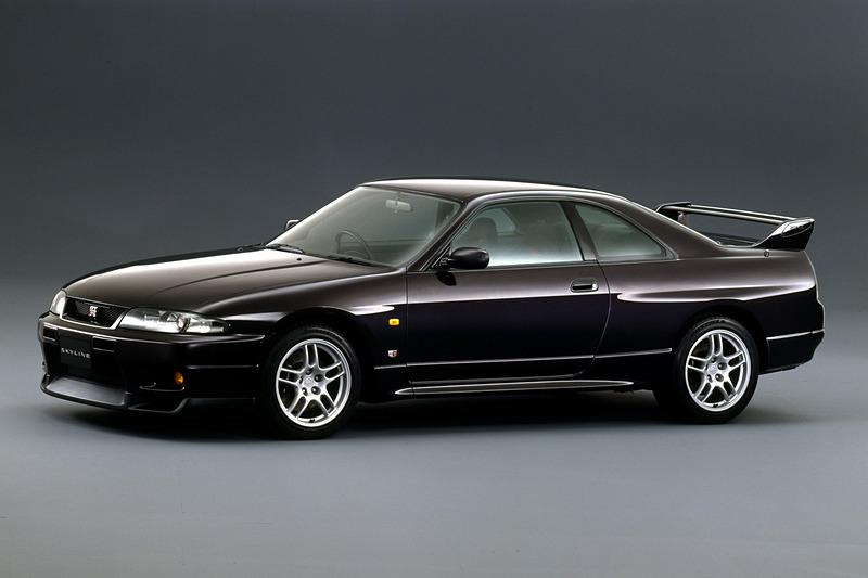 R33型(1995年1月~1999年1月販売)スカイライン GT-R
