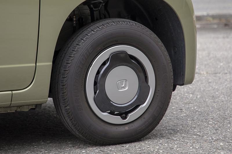 N-VANは軽貨物車なのでタイヤもバン・小型トラック用。これをスタッドレスタイヤへ履き替えるときはどうすれば? それを今回聞いてきた