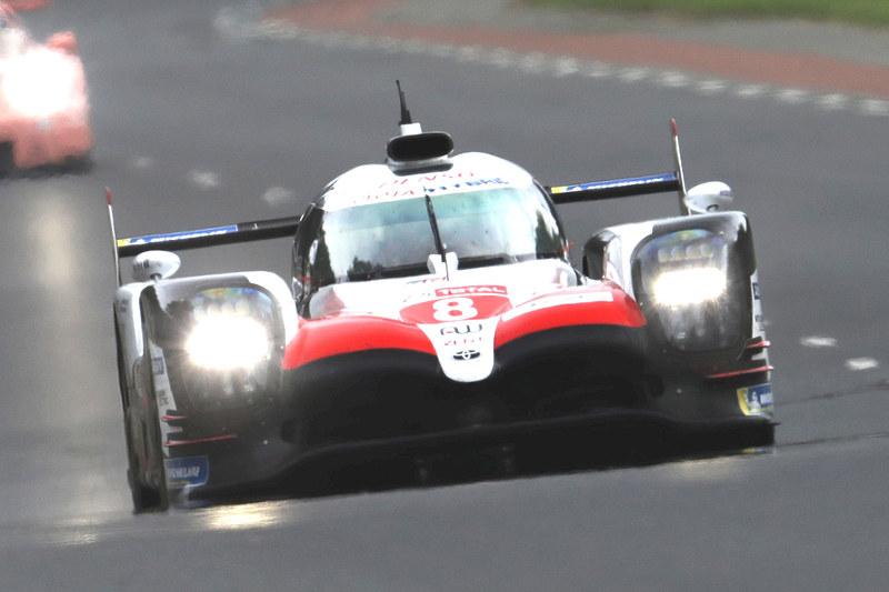 モースポフェス 2019 SUZUKAでは、TOYOTA GAZOO Racingの「TOYOTA GAZOO Racing TS050 HYBRID」と、ホンダの「Honda CBR1000RR(EWC耐久仕様)」が走行。2輪と4輪のル・マン優勝車が共演する